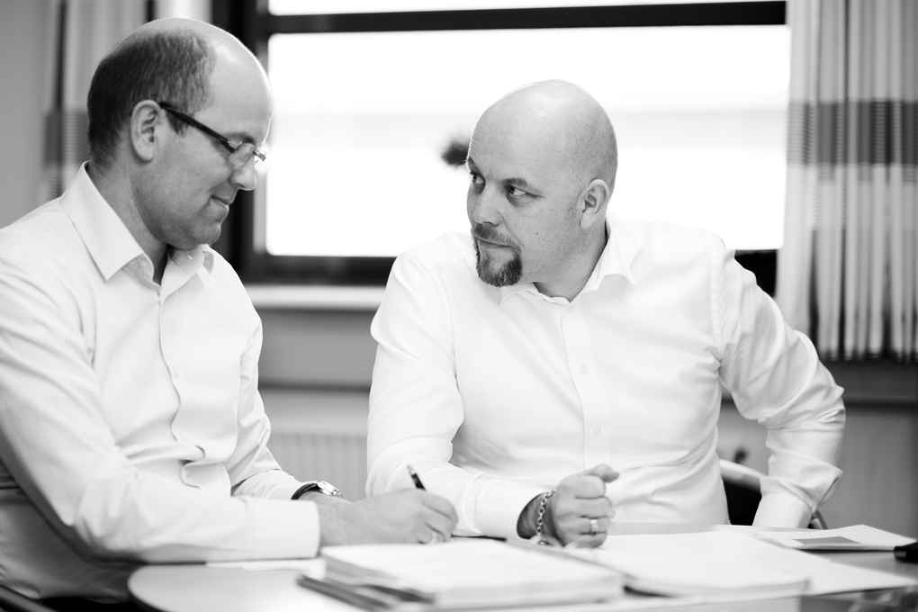Duelco A/S is managed by directors Ken and Teidt Due.